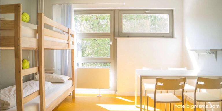 A BIG MAMA hostel room