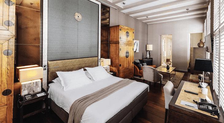 Dylan hotel room